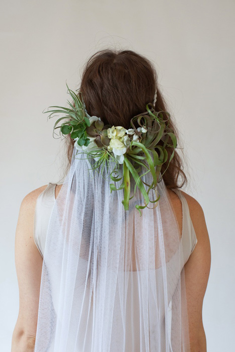 5 Ways to Wear Flowers in your Hair on your Wedding Day   Succulent Crown