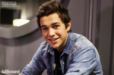 Austin Mahone on Tour: Behind-The-Scenes Q&A and Live Performances