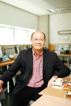 Professor Tek Tjing Lie, Engineering Research Institute