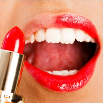 red-lipstick-mouth-teeth
