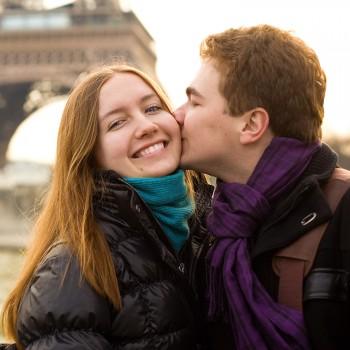 couple-travel-paris