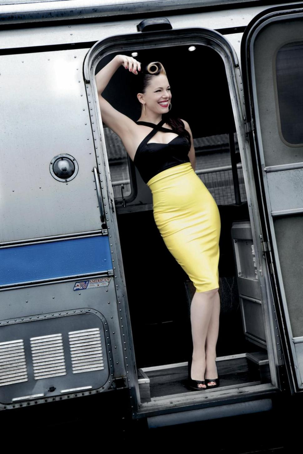 Imelda May brings back the pound and swing of rockabilly