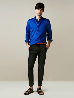 camisa-hombre-pantalon-oscuro-ropa