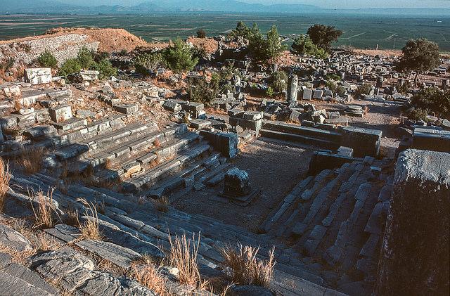 Bouleuterion, Priène (Turkey), c. 200 B.C.E., photo: Jacqueline Poggi (CC BY-NC-ND 2.0)