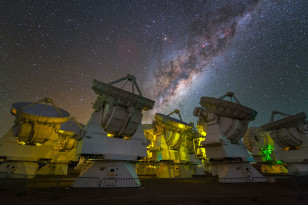 Milky Way above the antennas at the ALMA Observatory in Chile ((c) Y. Beletsky (LCO)/ESO
