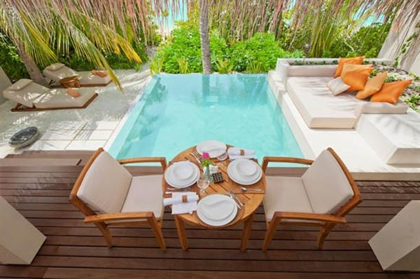 Villas Above the Sea Natural and Luxury - dining table