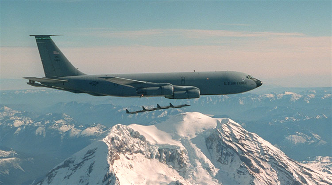 141st in action.  KC-135 doing its mission over Mt. Rainier.