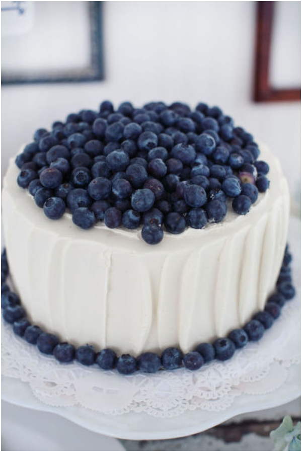 blueberry topped wedding cake, blue wedding ideas