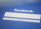 فيسبوك يحذر من انخفاض عائداته