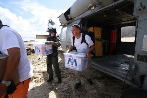 Health care volunteers grapple with Ebola quarantine mandates - Photo