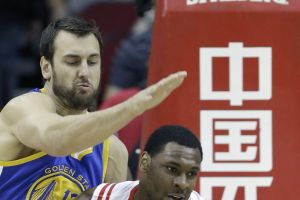 Warriors top Rockets to stay unbeaten - Photo