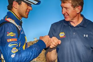 Chase Elliott, 18, NASCAR's youngest series champ - Photo