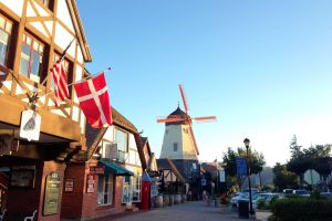 Solvang: Danish sweets and fine wine - Photo