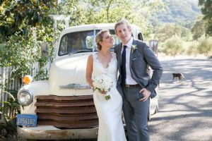 Wine Country wedding charms guests at rustic ranch - Photo