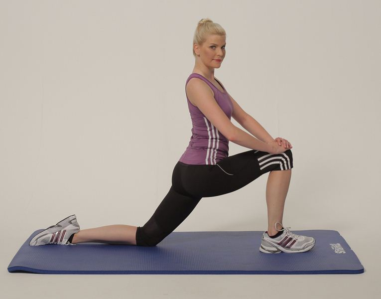 http://www.jetajone.com/wp-content/uploads/2014/08/Lunge-Hip-Flexor-End-Right.jpg