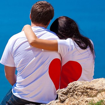 love-couple-sea