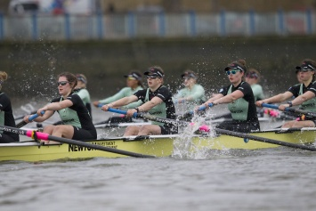 Cambridge University Women's Boat Club's at the start © Iain Weir