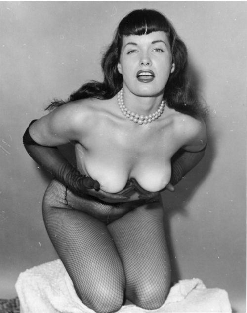http://netflowers.files.wordpress.com/2012/10/bettie-page-42.jpg?w=500