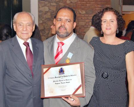 Waldir Pires, Taurino Araújo e Soraya, quando do recebimento da Medalha Thomé de Souza
