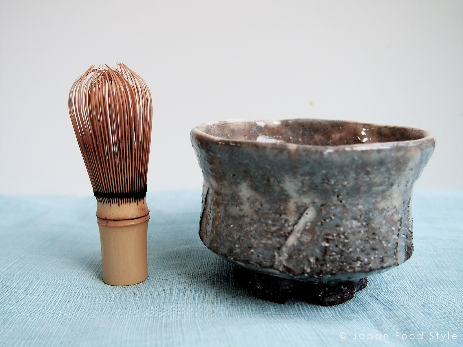 Tea whisk (chasen) and tea bowl (chawan)
