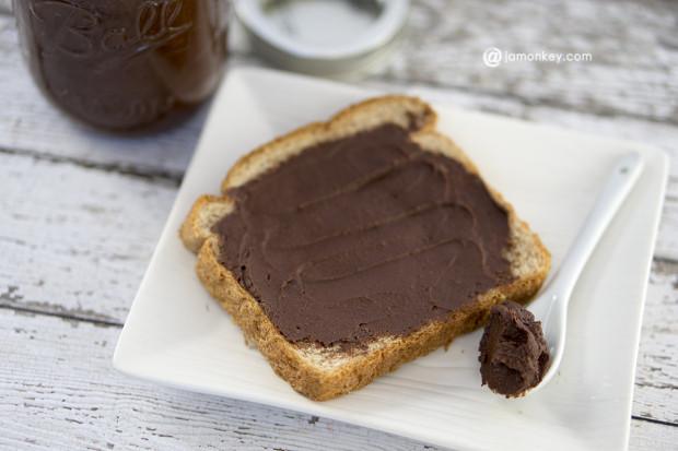 DIY Skinny Hazelnut spread