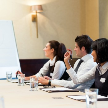 woman-meeting-business