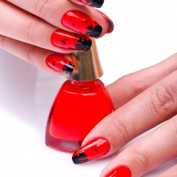 black-red-nail-art