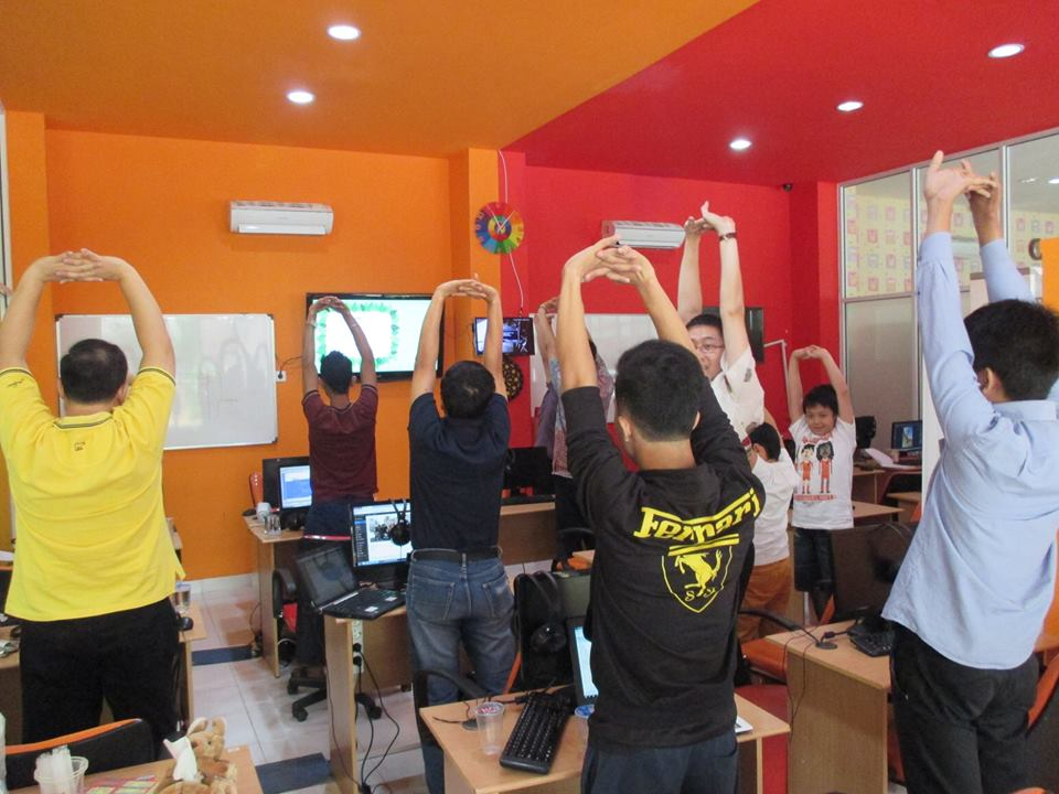 Saat Stretching di DUMET School
