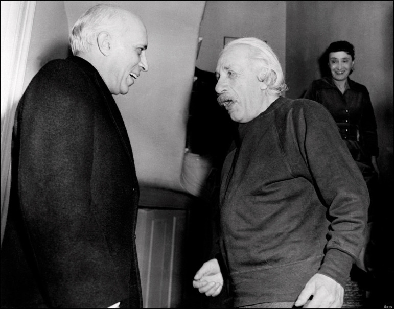 Jawaharlal-Nehru-meeting-Albert-Einstein-at-Princeton-USA-1949
