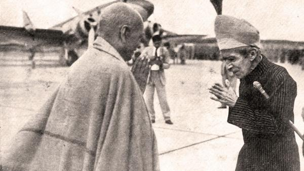 nizam welcoming Sardar patel