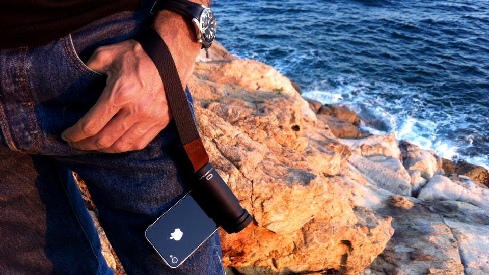 iPhone grip handle and wrist strap - Shoulderpod S1 adjustable smartphone rig