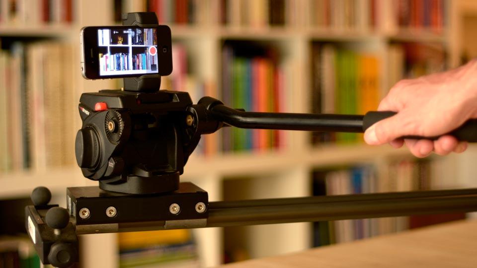 iPnoe 5S adjustable tripod mount on slider - Shoulderpod S1
