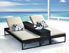 泳池躺椅 双椅组合搭配长凳更显情调