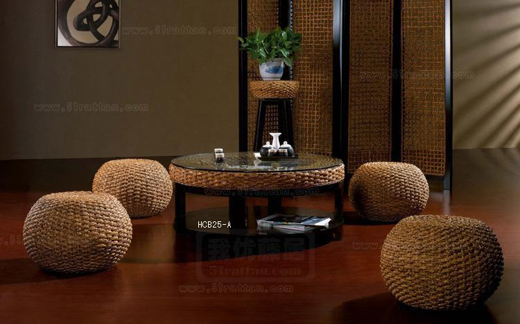 小石装饰圆台面和鼓凳