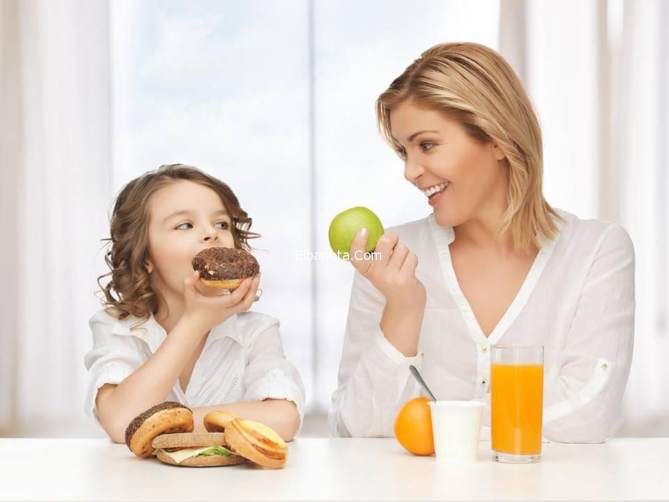 أطعمة يجب تجنب اعطائها لاطفالك