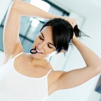 tying-up-hair