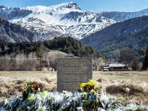27 March 2015: A stele in memory of the victims of the Germanwings Airbus A320 crash is pictured in the small village of Le Vernet, French Alps, near the site where a Airbus A320 crashed on 24 March