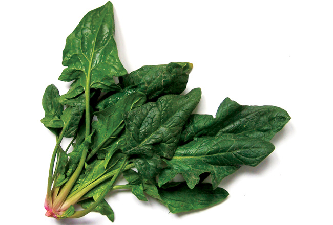 Spinach - tummy-flattening foods - Women's Health & Fitness