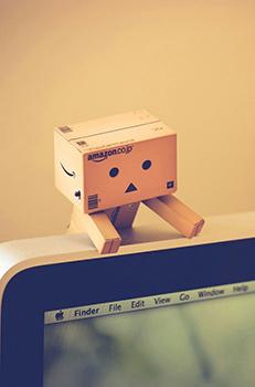 纸箱人阿楞唯美手机壁纸