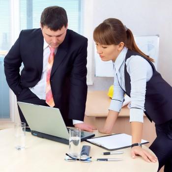 woman-work-office