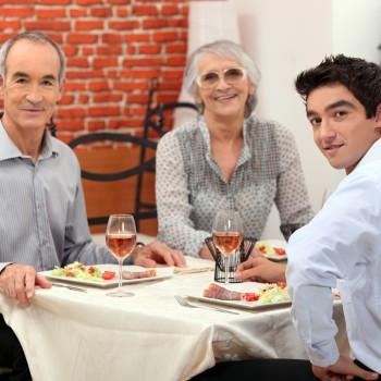family-meal-restaurant