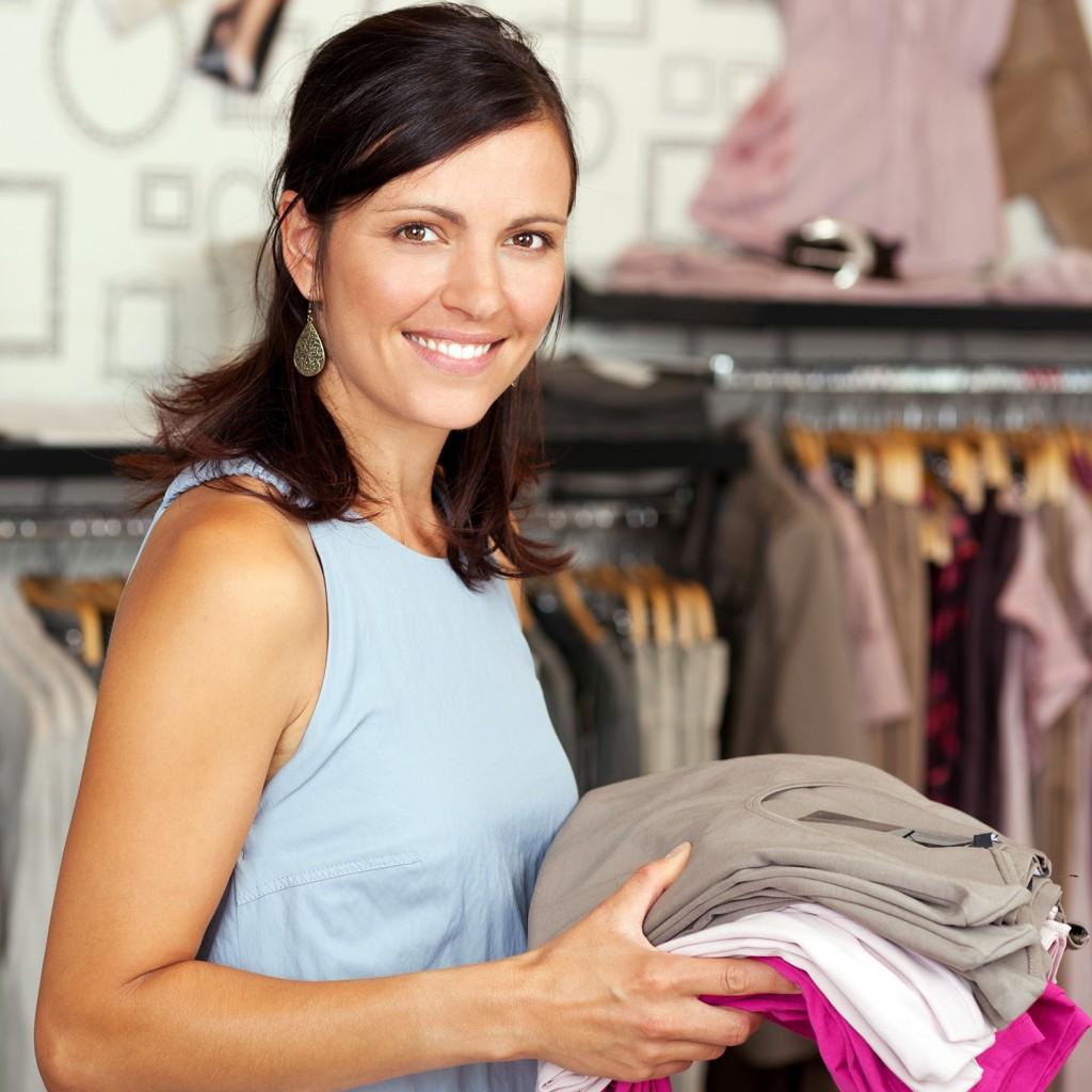 Boutique-shopping-clothes