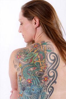 Eliminar un tatuaje multicolor es más complicado