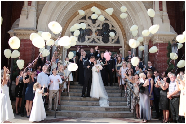 wedding balloon release, wedding recessional toss, sendoff, bride and groom exit, getaway