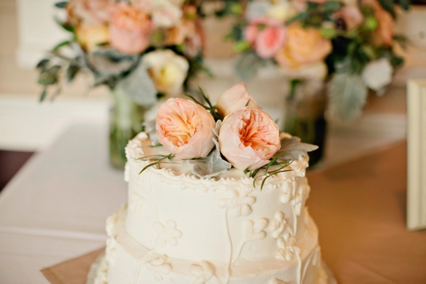 simple wedding cake with peach peony topper, simple lakeside wedding, peach, pink, beige, cream, and mint wedding ideas, Ruth Eileen Photography