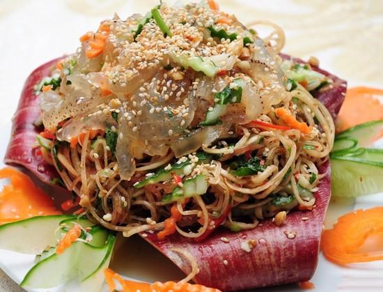 Salade de méduse croquant