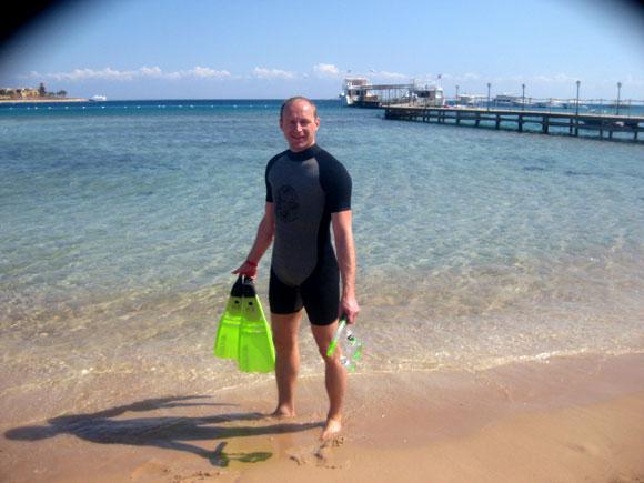 Tobias Knoof beim Schnorcheln am Roten Meer in Ägypten