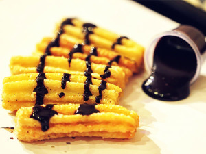churros_chocolate_sauce_loc