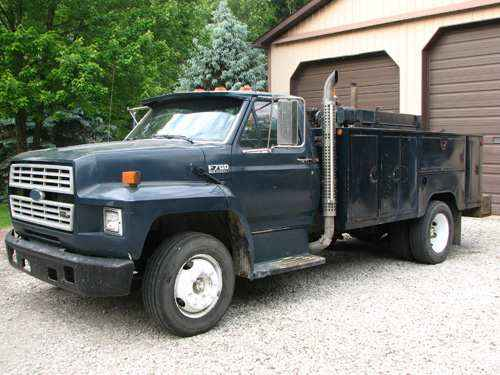 , Ford 600/800 History. Classic Trucks Still Loved Today, The Truck Guide