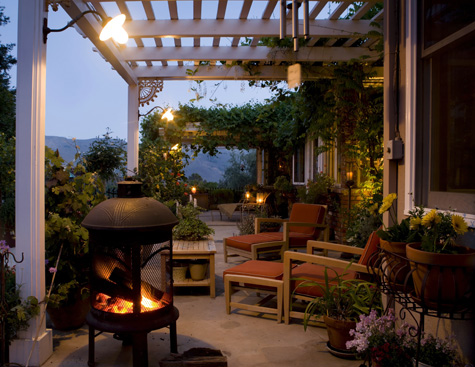 Decorating Outdoor Decks and Patios With Themes | Home Decorating
